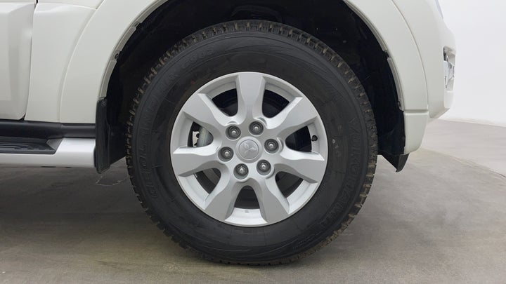 Mitsubishi Pajero-Right Front Tyre