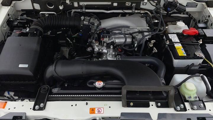 Mitsubishi Pajero-Engine Bonet View