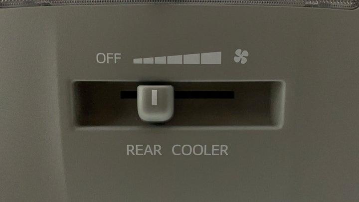Toyota Fortuner-Rear AC Temperature Control