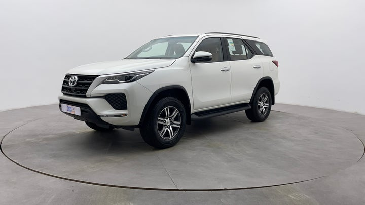 Toyota Fortuner-Left Front Diagonal (45- Degree) View