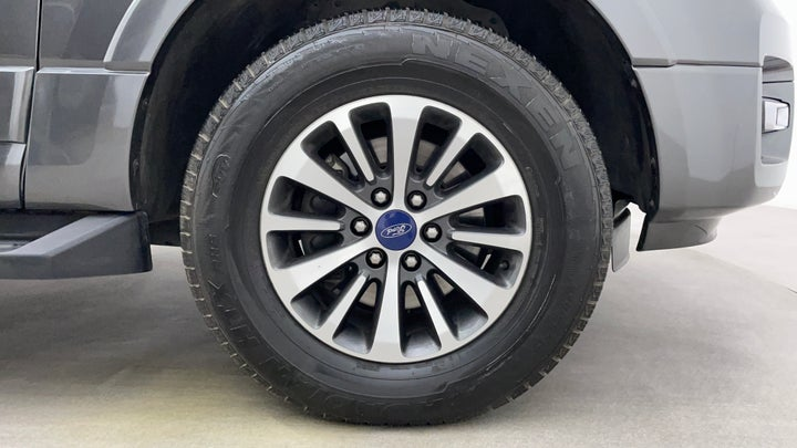 Ford Expedition-Right Front Tyre