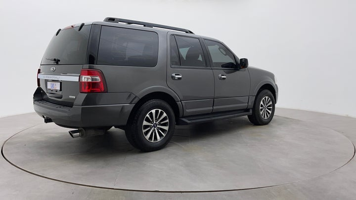 Ford Expedition-Right Back Diagonal (45- Degree) View