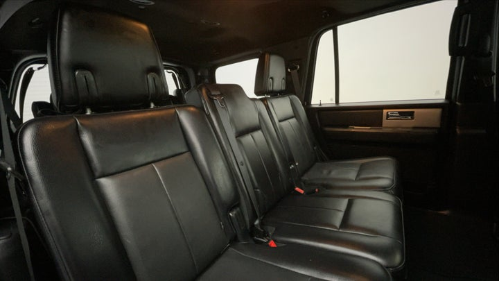 Ford Expedition-Right Side Door Cabin View
