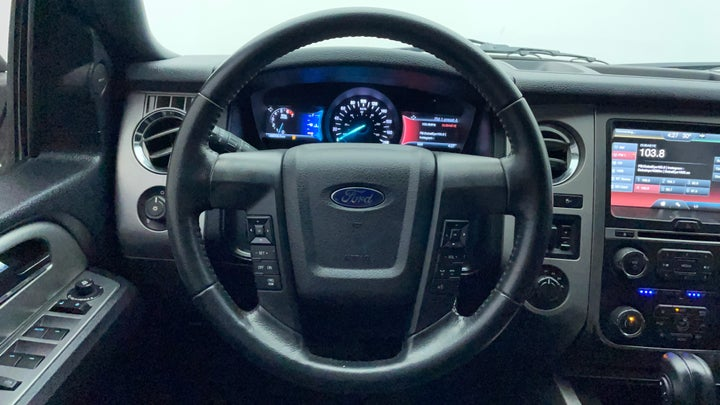 Ford Expedition-Steering Wheel Close-up