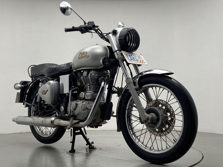 2018 Royal Enfield Bullet 350 Front right 3/4