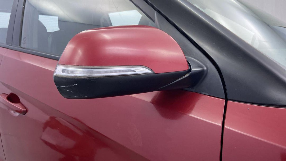 Right Front Mirror Housing Scratched (1 to 3 inches)