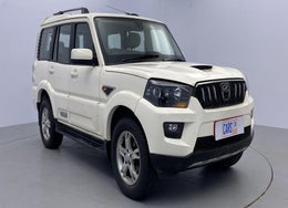 2015 Mahindra Scorpio S10 AT