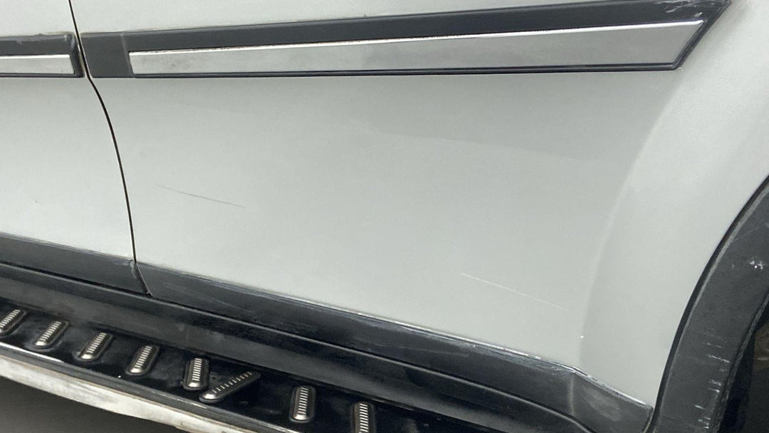 LEFT REAR DOOR EDGE MULTIPLE SCRATCHES HEAVY (9 TO 10 INCHES)