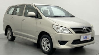 2013 Toyota Innova 2.5 GX 7 STR BS IV