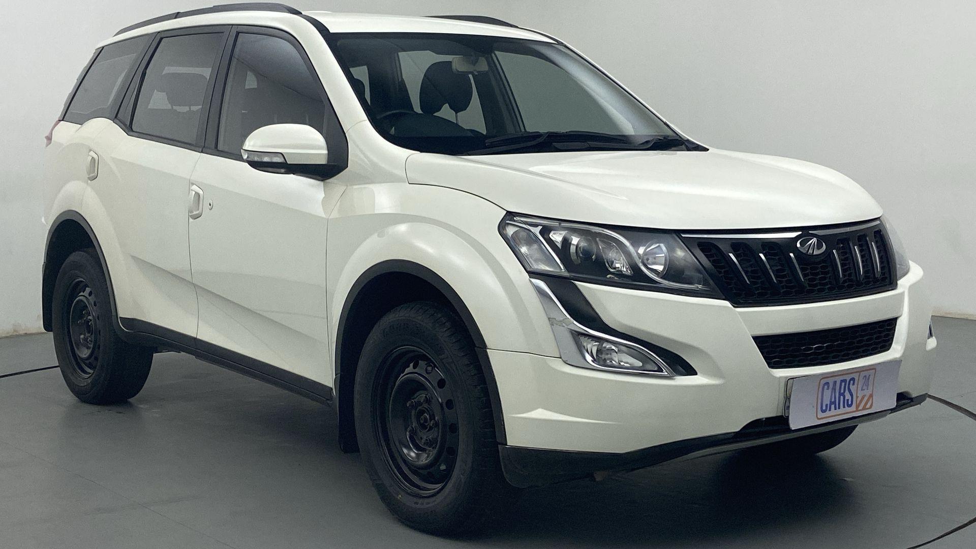 2017 Mahindra XUV500 W6 4X2