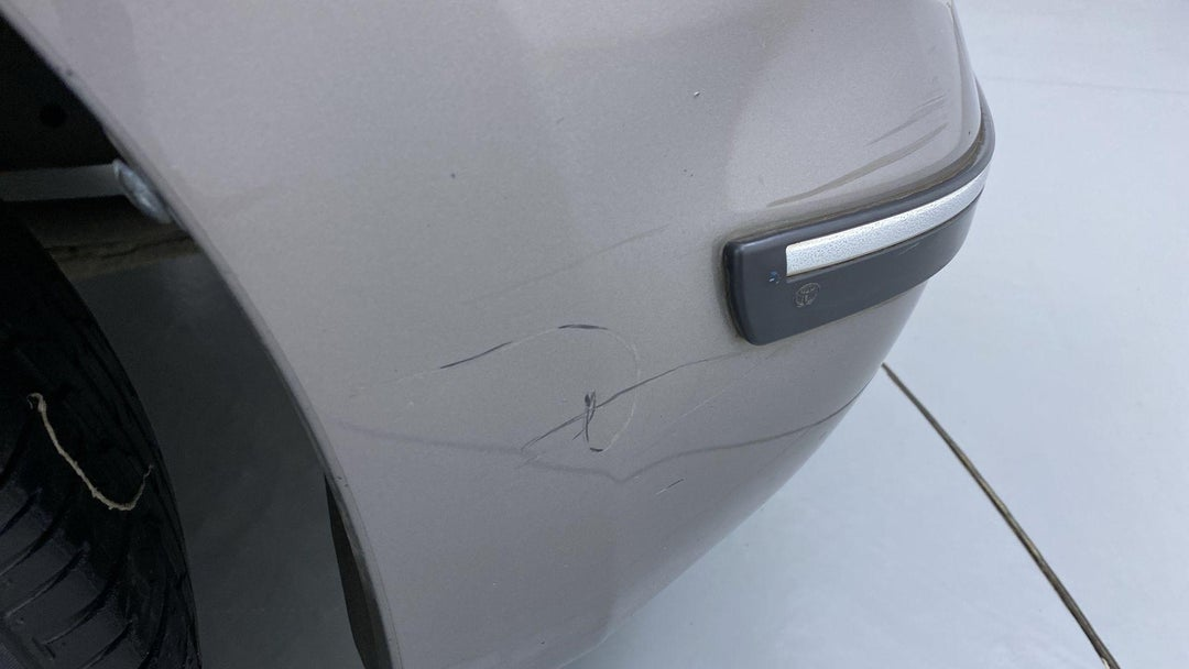 FRONT RIGHT BUMPER/COVER HEAVY SCRATCH