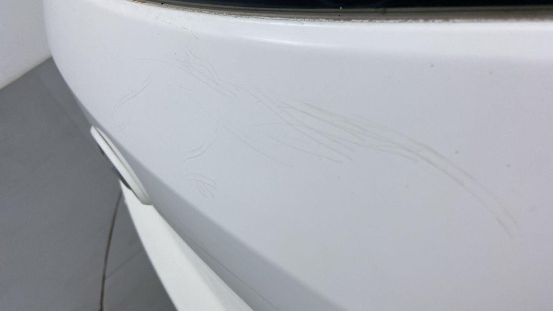 Cargo Area Multiple Scratches Light (3 to 4 inches)