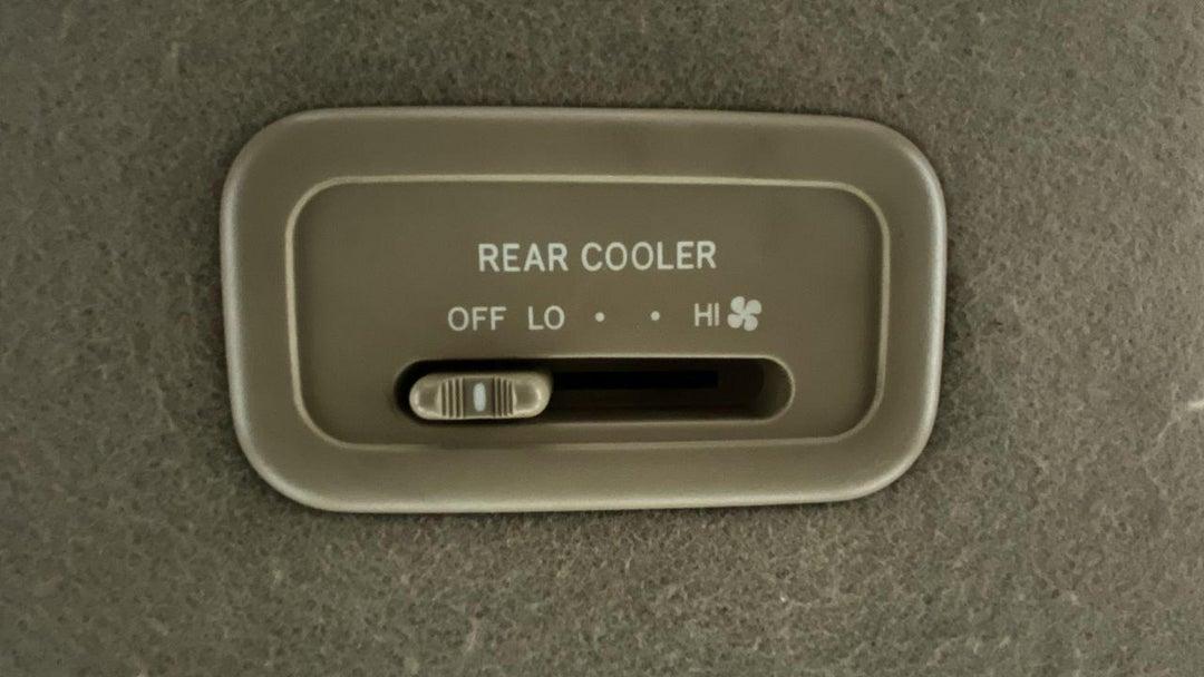 REAR AC TEMPERATURE CONTROL