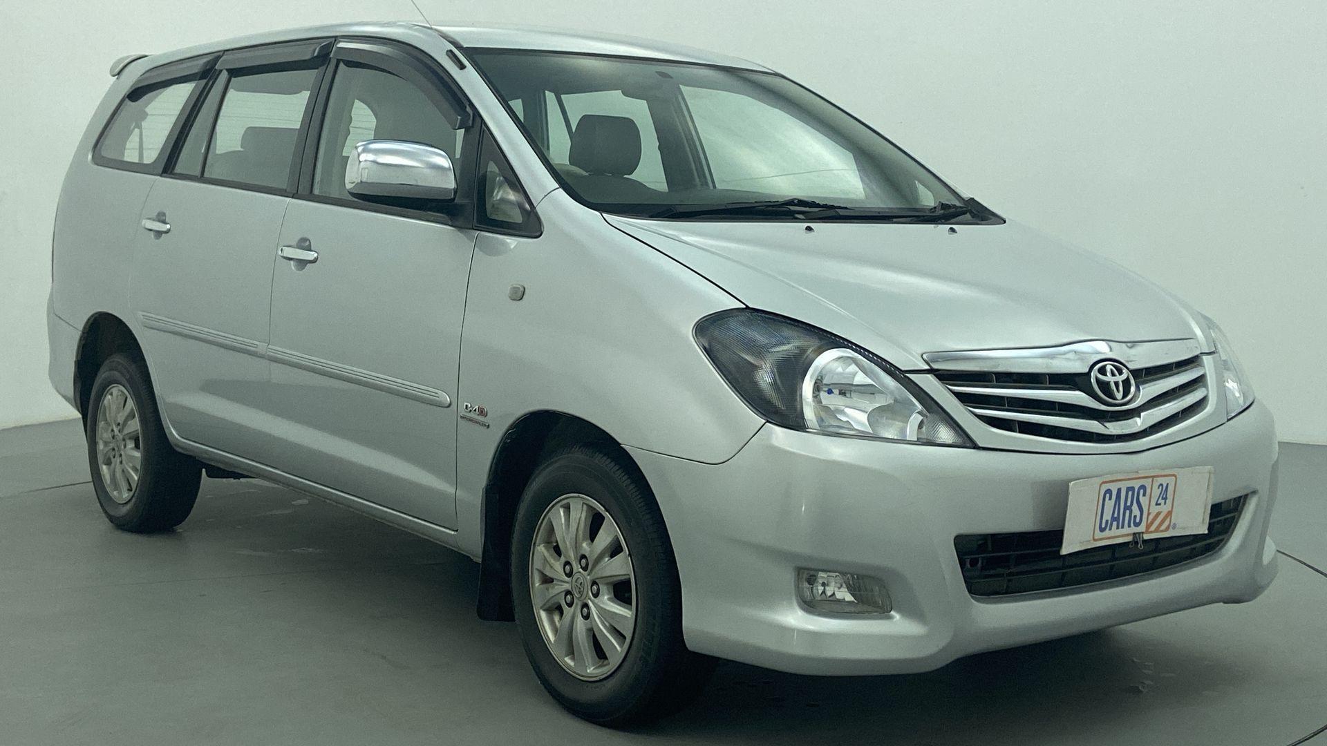 2011 Toyota Innova 2.5 V 8 STR
