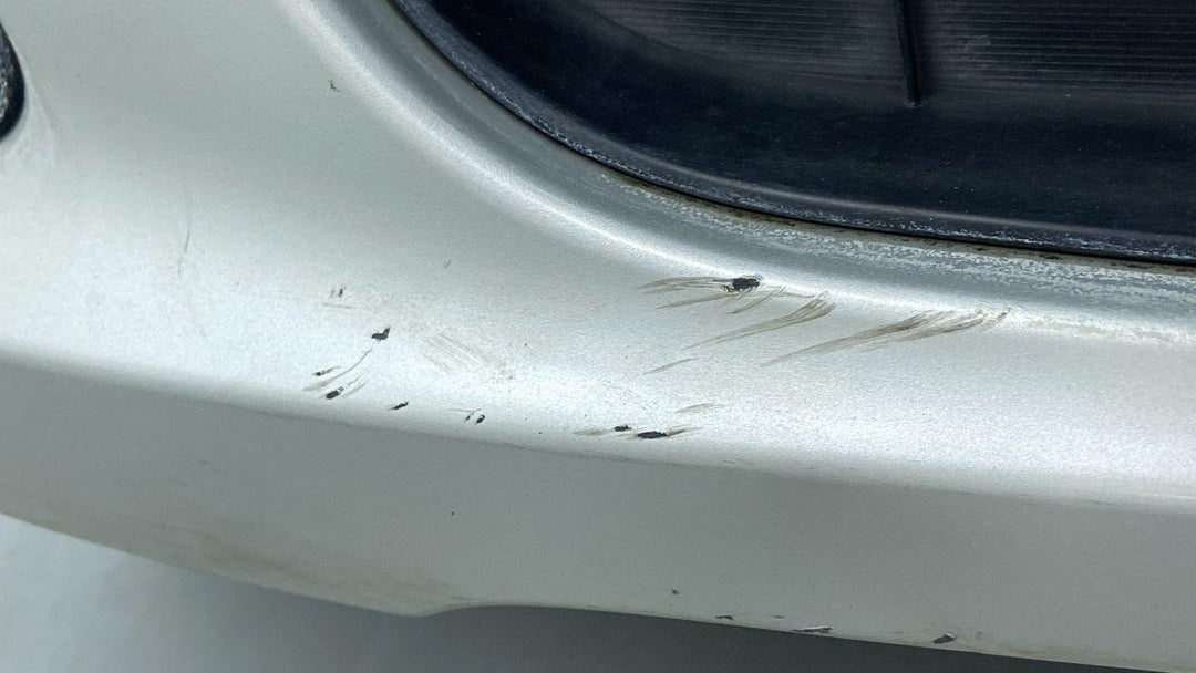 FRONT BUMPER HEAVY SCRATCH (1 TO 3 INCHES)
