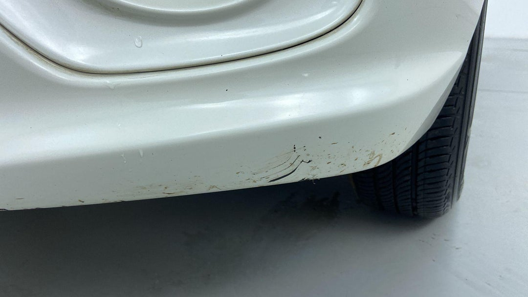 FRONT LEFT BUMPER/COVER HEAVY SCRATCH (1 TO 3 INCHES)