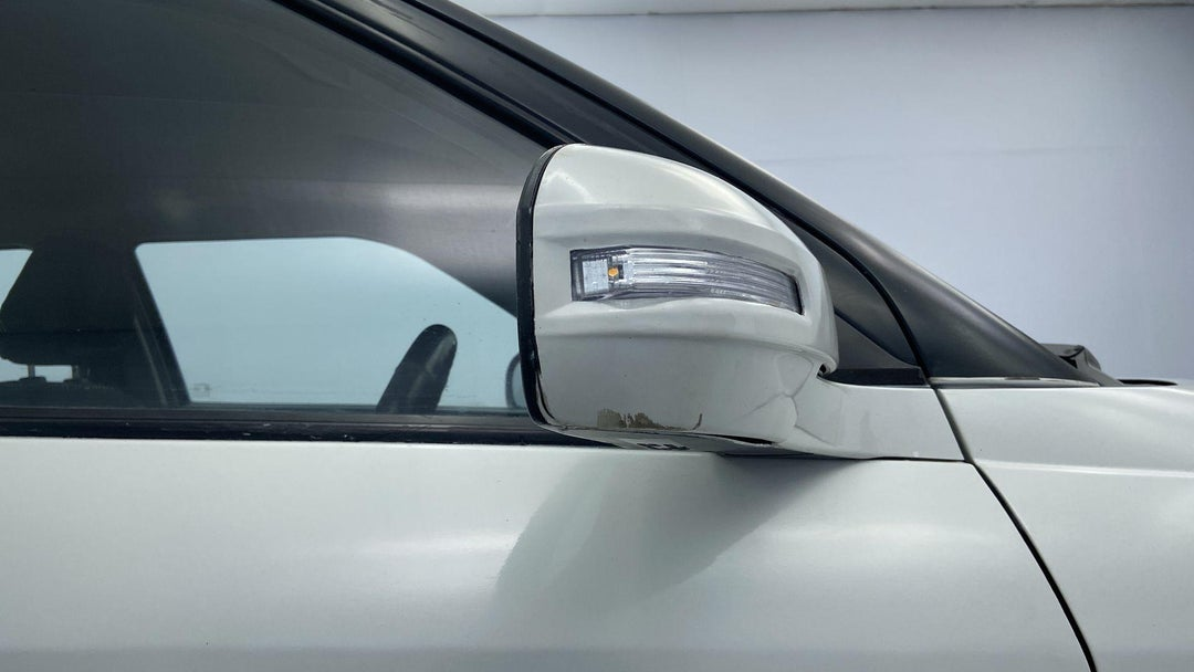 RIGHT FRONT MIRROR HOUSING DAMAGE (BODY DAMAGE)
