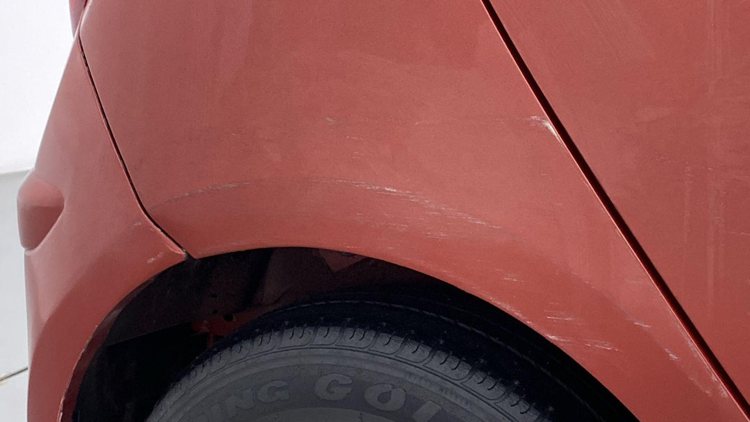 RIGHT QTR PANEL SCRATCHES (2 TO 3 INCHES)