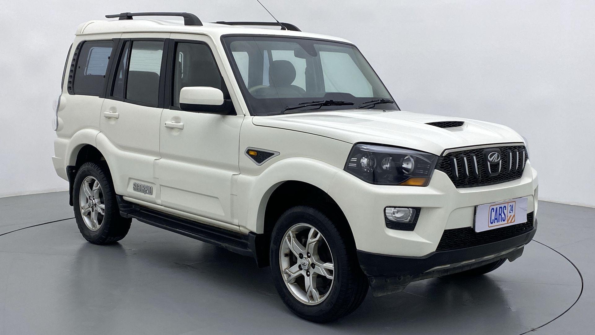 2016 Mahindra Scorpio S10