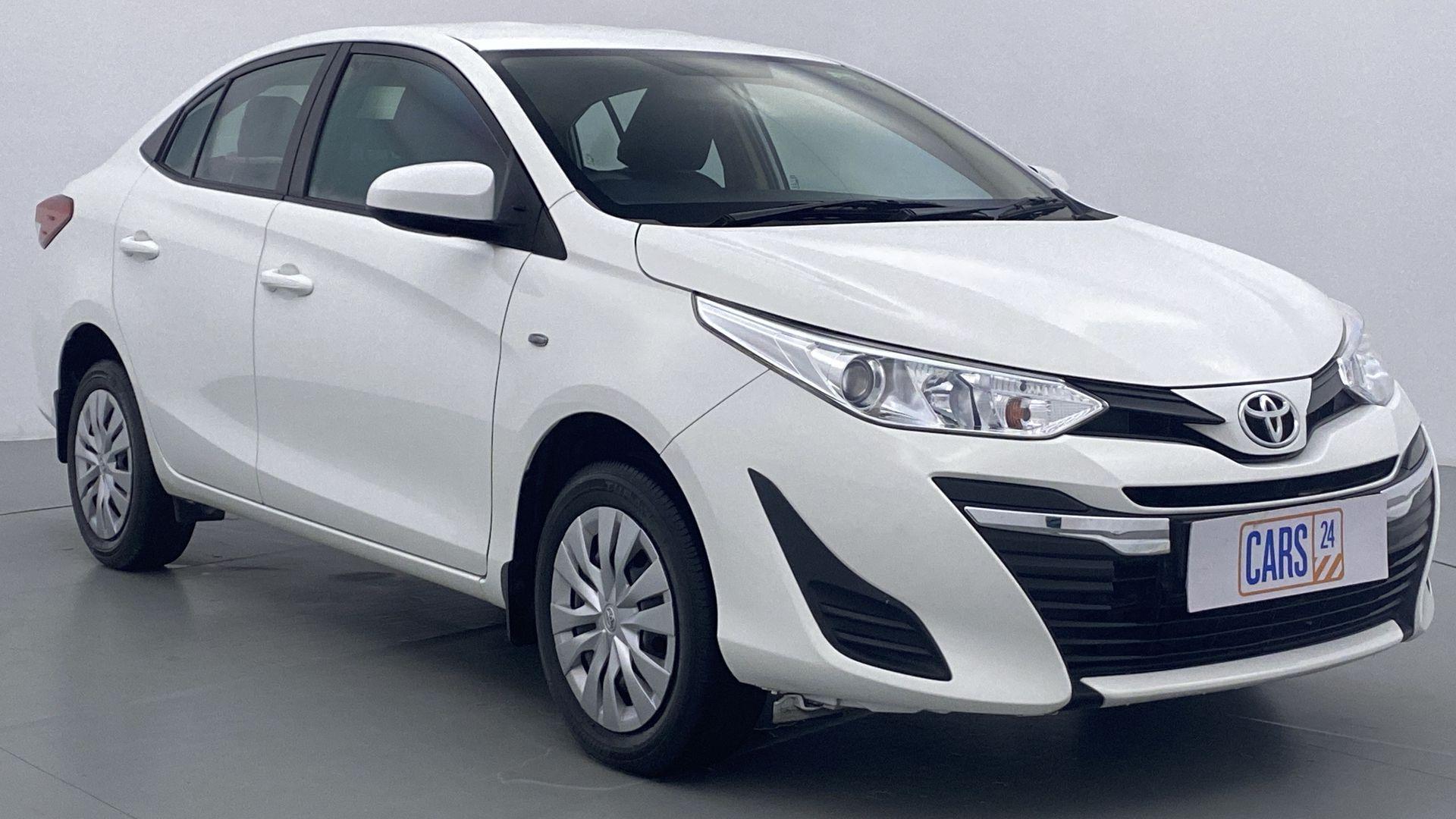 2018 Toyota YARIS J MT