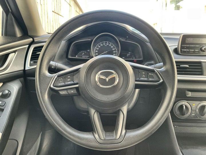 Mazda 3-STEERING WHEEL CLOSE-UP