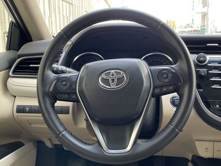 Toyota Camry-STEERING WHEEL CLOSE-UP