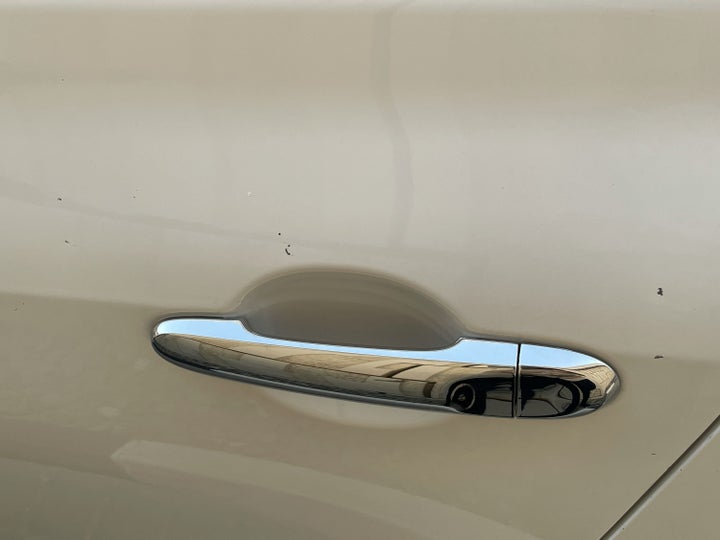 Nissan Sunny-Left Rear Door Multiple Scratches Light (1/2 to 1 inch)