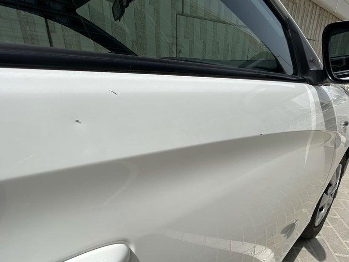 Toyota Yaris-Right Front Door Cracked Paint