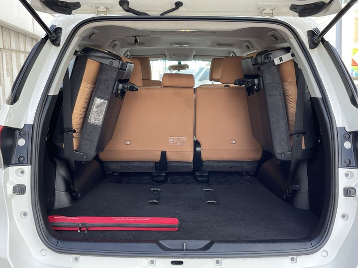 Toyota Fortuner-BOOT INSIDE VIEW