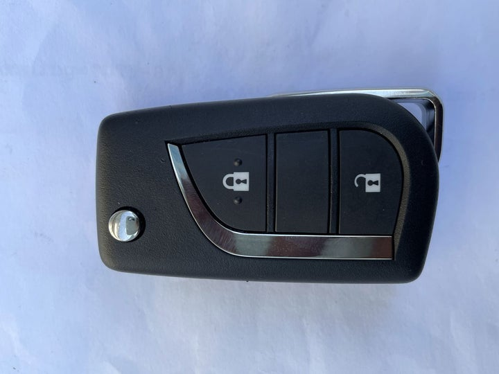 Toyota Fortuner-KEY CLOSE-UP