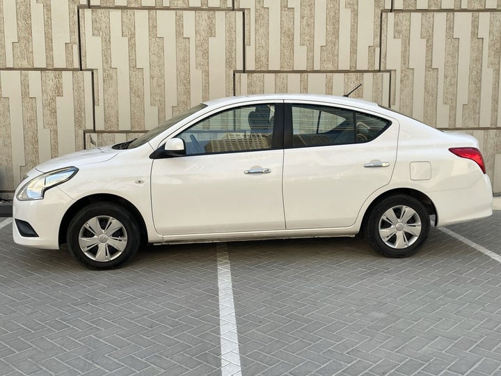 Nissan Sunny-LEFT SIDE VIEW