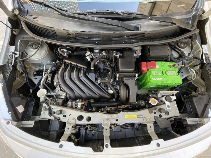 Nissan Sunny-OPEN BONNET (ENGINE) VIEW