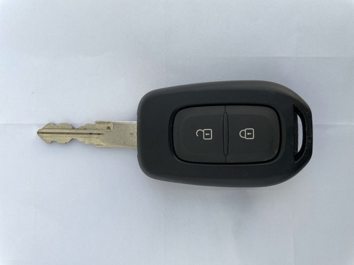 Renault Duster-KEY CLOSE-UP