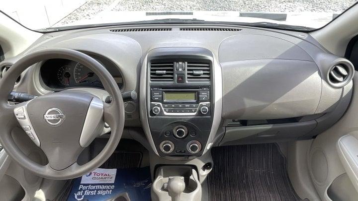 Nissan Sunny-DASHBOARD VIEW