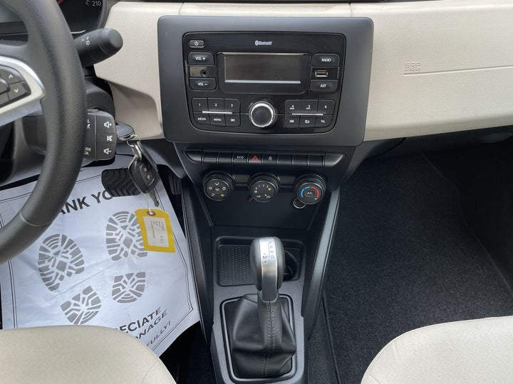 Renault Duster-CENTER CONSOLE