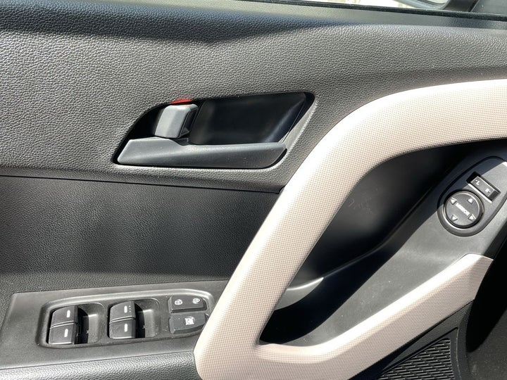 Hyundai Creta-DRIVER SIDE DOOR PANEL CONTROLS