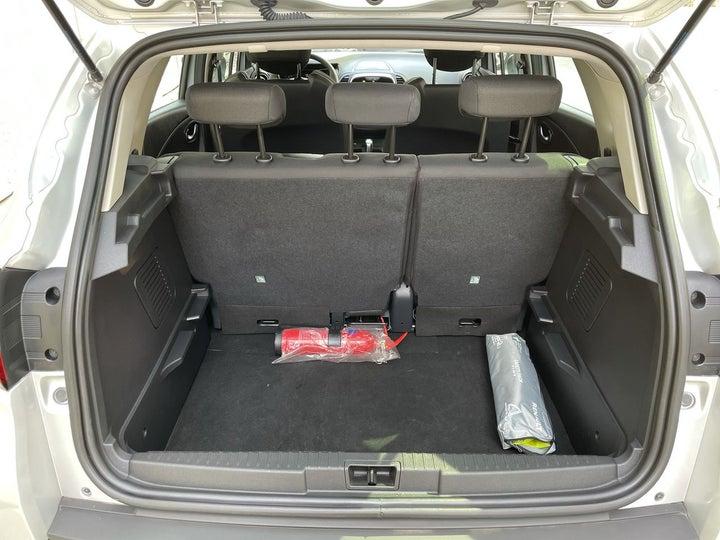 Renault Captur-BOOT INSIDE VIEW