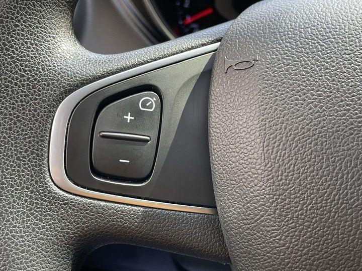 Renault Captur-CRUISE CONTROL