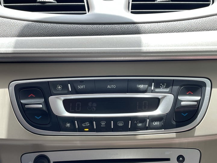 Renault Fluence-AUTOMATIC CLIMATE CONTROL