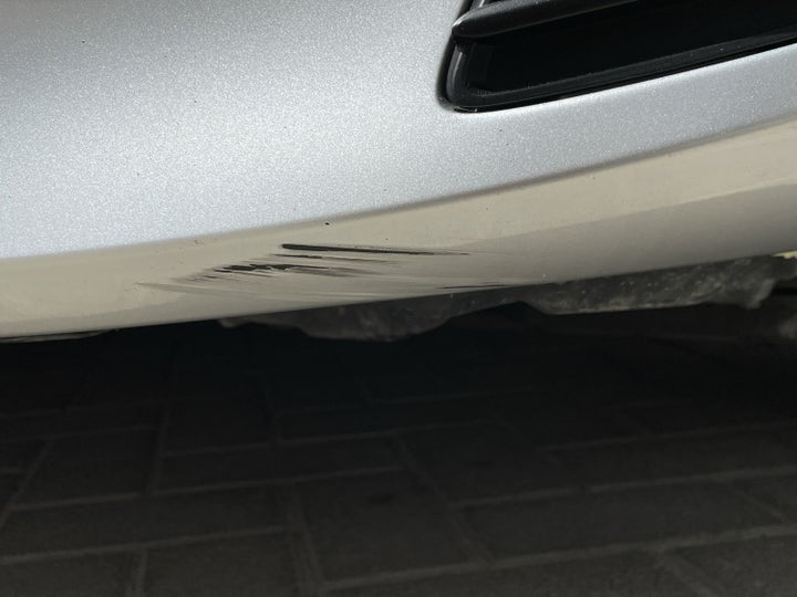 Toyota Yaris-Front Left Bumper/Cover Light Scratch (1 to 2 inches)