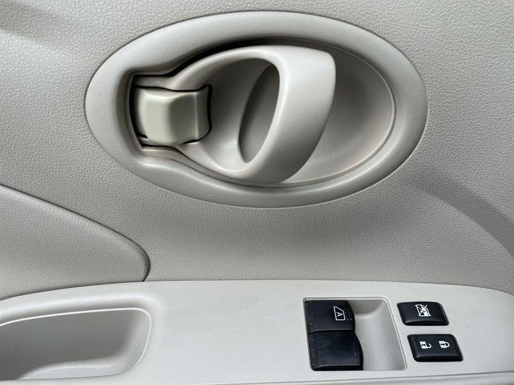 Nissan Sunny-DRIVER SIDE DOOR PANEL CONTROLS
