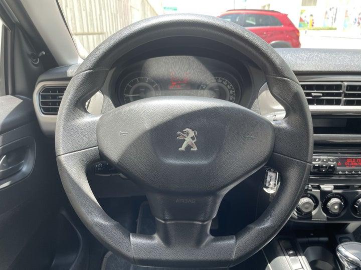 Peugeot 301-STEERING WHEEL CLOSE-UP