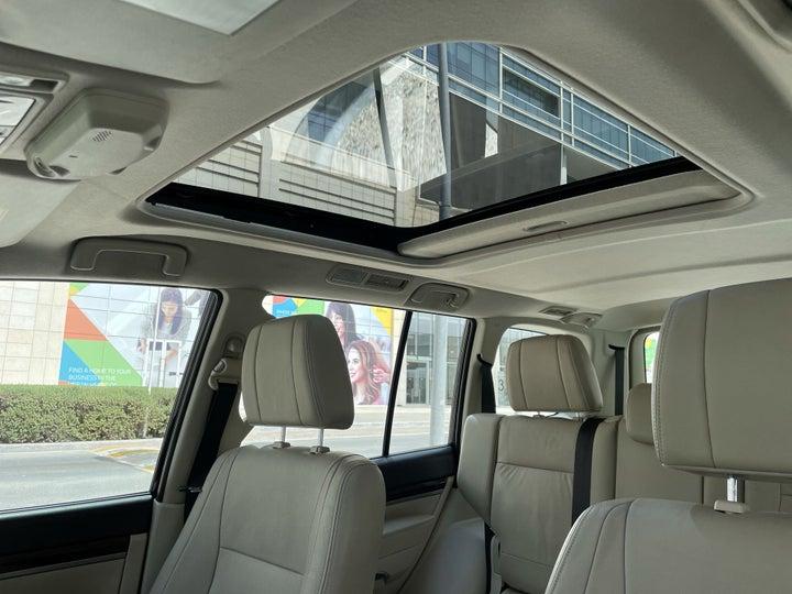 Mitsubishi Pajero-INTERIOR SUNROOF / MOONROOF
