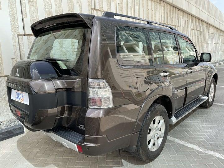 Mitsubishi Pajero-RIGHT BACK DIAGONAL (45-DEGREE VIEW)
