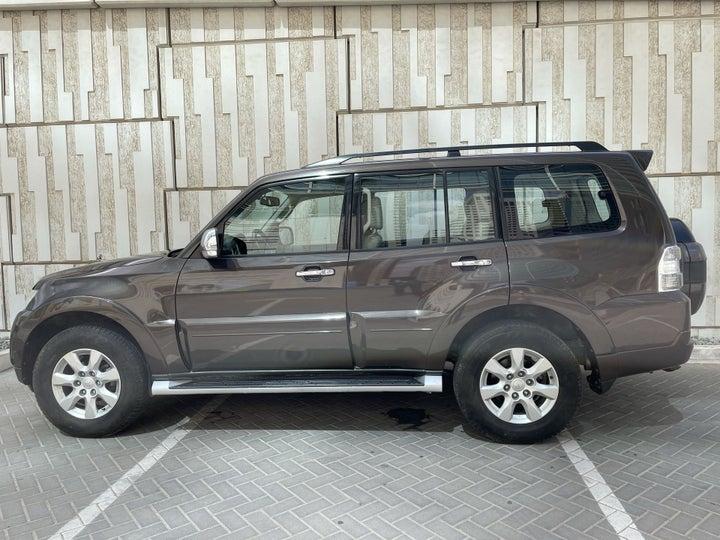 Mitsubishi Pajero-LEFT SIDE VIEW