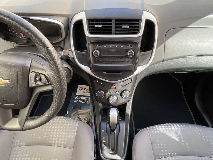 Chevrolet Aveo-CENTER CONSOLE