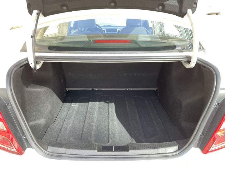 Chevrolet Aveo-BOOT INSIDE VIEW