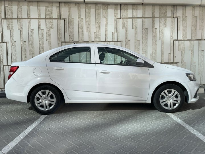 Chevrolet Aveo-RIGHT SIDE VIEW