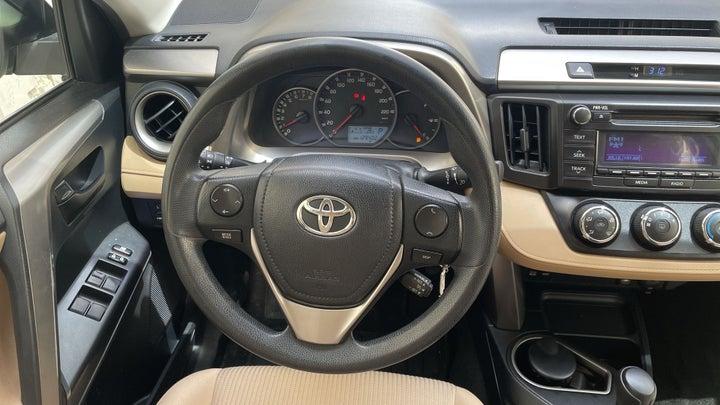 Toyota Rav4-STEERING WHEEL CLOSE-UP