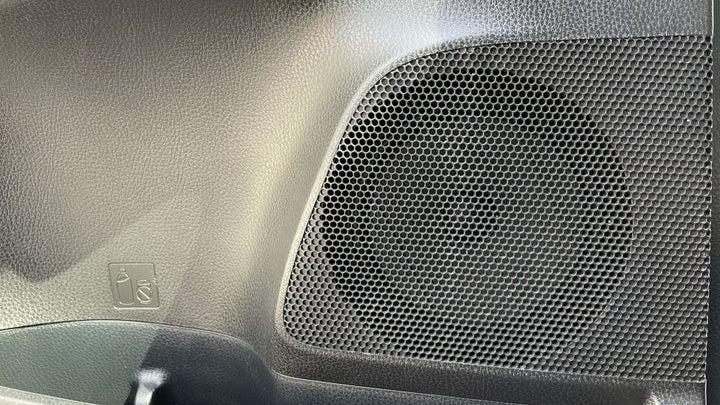 Toyota Rav4-SPEAKERS